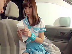 Japanese schoolgirl gets fucked in a car